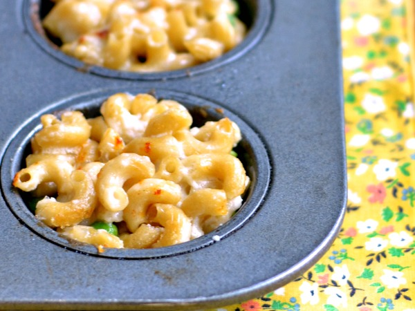Mac and cheese muffins are such a fun, frugal dinner!