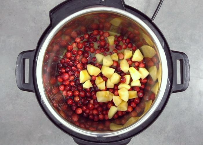 Instant Pot cranberry sauce ingredients