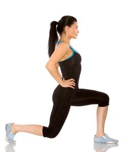 women-doing-lunge fitness model