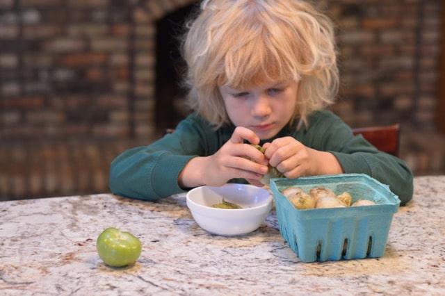 Peeling |Tomatillo Salsa Verde Recipe