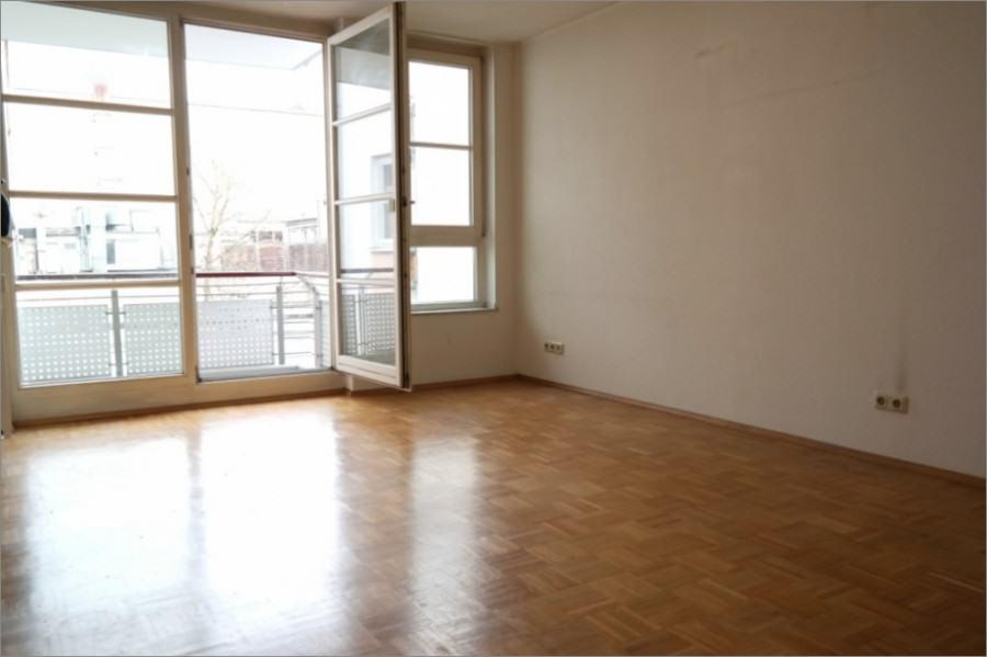 REAL HOUSE: Wunderschöne 2-Zimmer WHG mit Balkon und Tiefgarage in