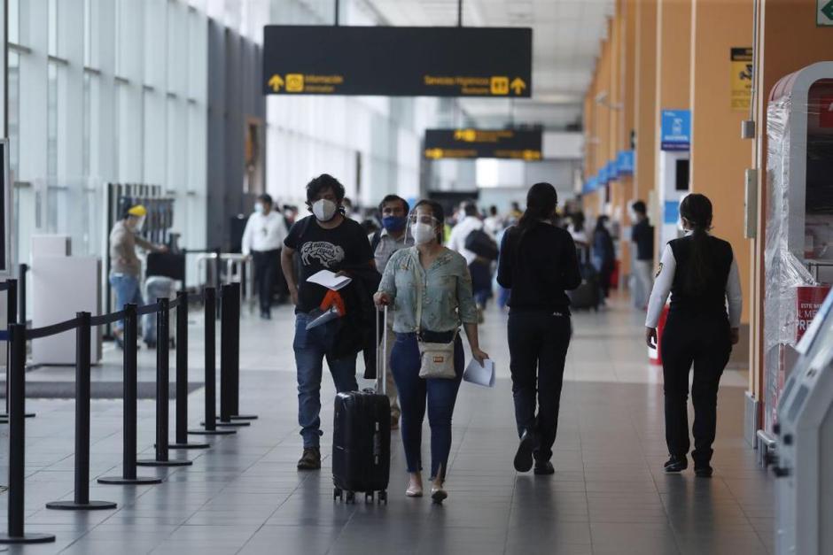 El Gobierno nacional analiza reabrir fronteras para turismo extranjero a fin de año