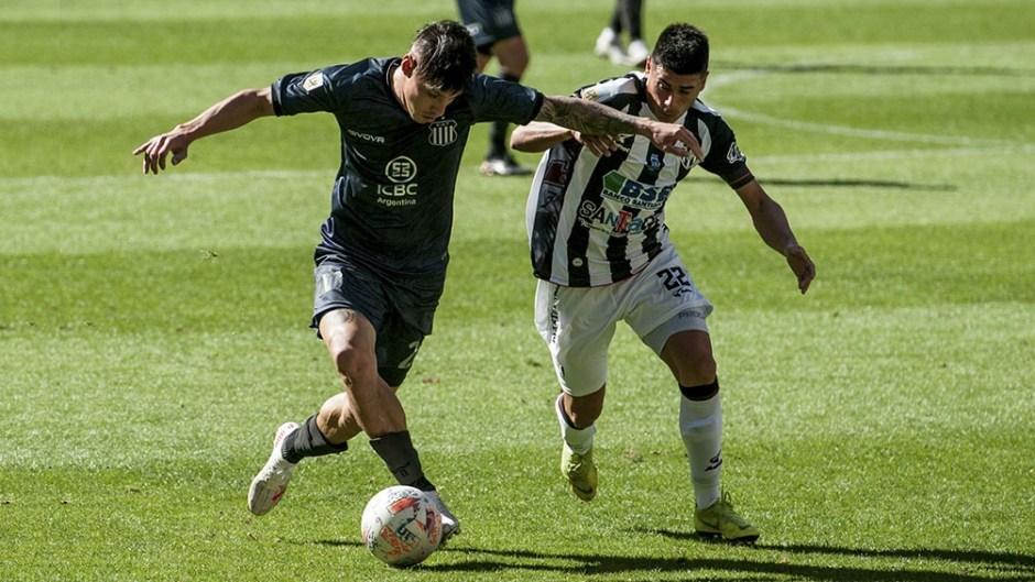 En Santiago, Central Córdoba le ganó 2 a 1 a Talleres sobre el final del encuentro