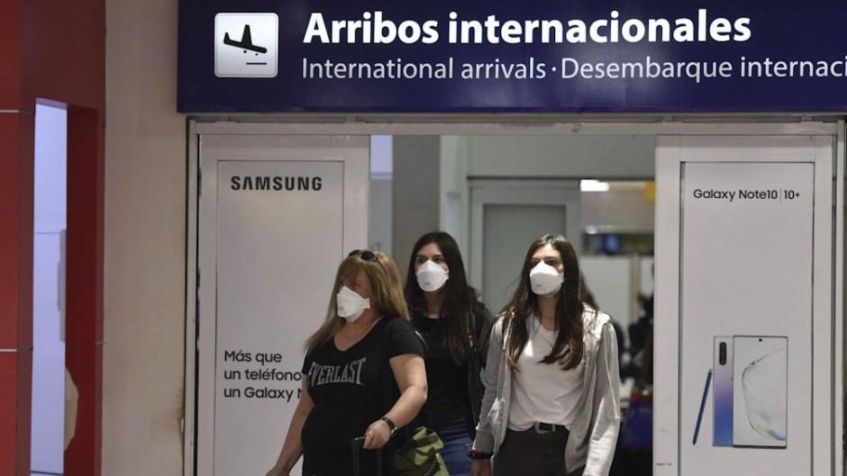 Migraciones rehabilitará el ingreso de los extranjeros que son parientes directos de argentinos