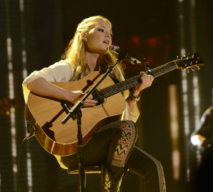 American Idol 2013 Top 8 - Janelle Arthur