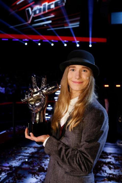 The Voice USA 2015 Spoilers - Voice Finale Results - Season 8 Winner Sawyer Fredericks