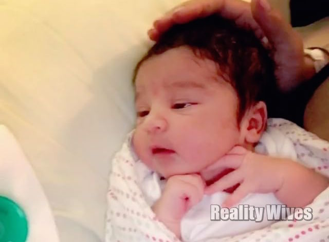 VIDEO Dream Renee Kardashian In Mommys Arms