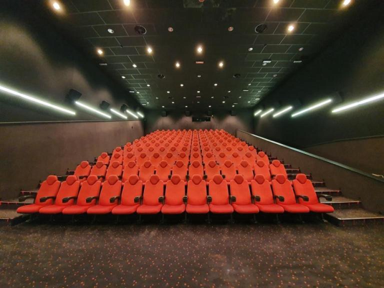 montaza kino stolica cineplexx maribor