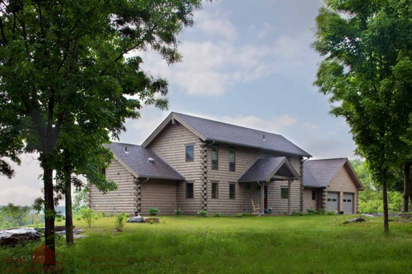 Saltbox Homes   Real Log Homes A modern  Energy Star rated saltbox design