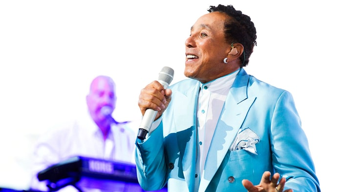Smokey Robinson Christmas Everyday Album Review Really Into This Blog Rolling Stone