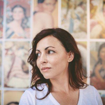 Renee Carlino Author Bio Twitter