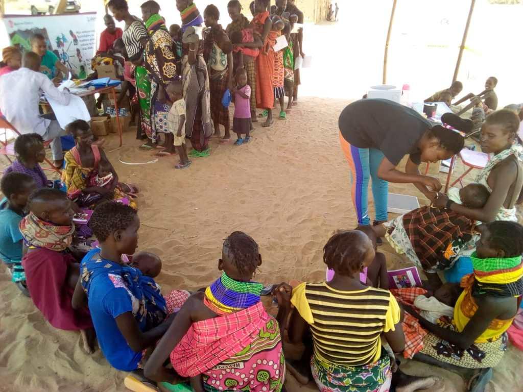 AF Kenya LCTDR Q4 2018 the health care giver is immunizing the children