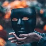 A man's mask