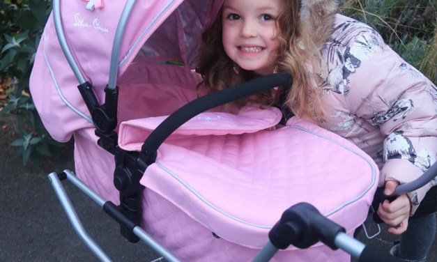 REVIEW & GIVEAWAY – Play Like Mum Silver Cross Dolls Prams