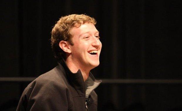 Цукерберг извинился за утечку данных пользователей Facebook