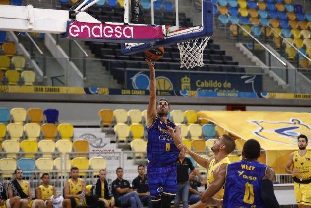 Amedeo Della Valle segna 9 punti nel test match di Gran Canaria