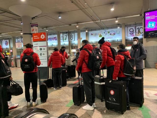 Odissea Olimpia: l'AX tornerà a Milano domani, da Valencia