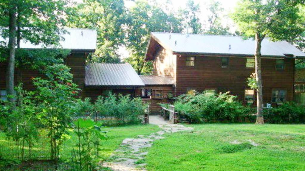 twin cedar-62718-house-1