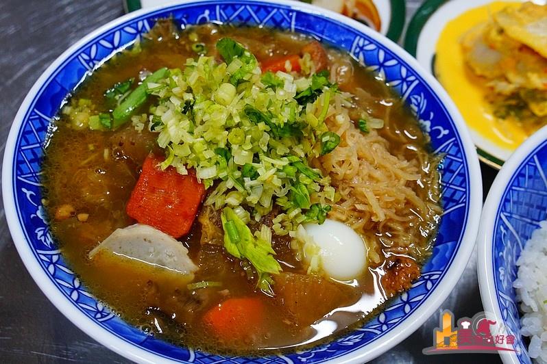 【高雄飯湯】銅板價宵夜小吃牛肉燥飯、什錦蔬菜飯湯 旻哥古早味飯湯
