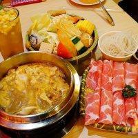 【高雄火鍋】獨品鍋東南亞風味  新鮮天然香料熬煮 南洋風味個人迷你火鍋(附飲料甜點)