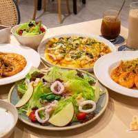 【高雄餐廳】故事咖啡館 鳳山巷弄裡隱秘小餐館 清炒蒜香義大利麵 手工披薩