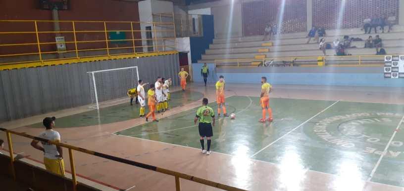 Muitos gols e partidas bem disputadas na Copa Clube dos 13 de Futsal