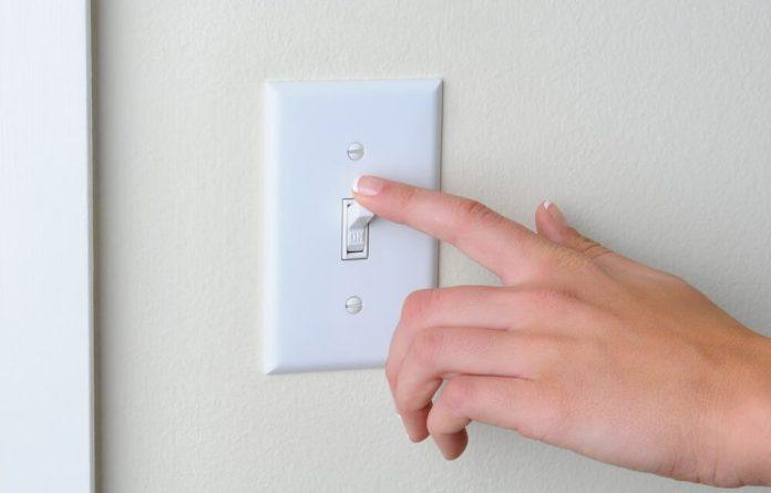A cobrança extra passa de R$ 6,24 para R$ 9,49 a cada 100 kWh consumidos. Foto: Google