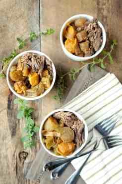 CROCKPOT BEEF ROAST AND VEGGIES