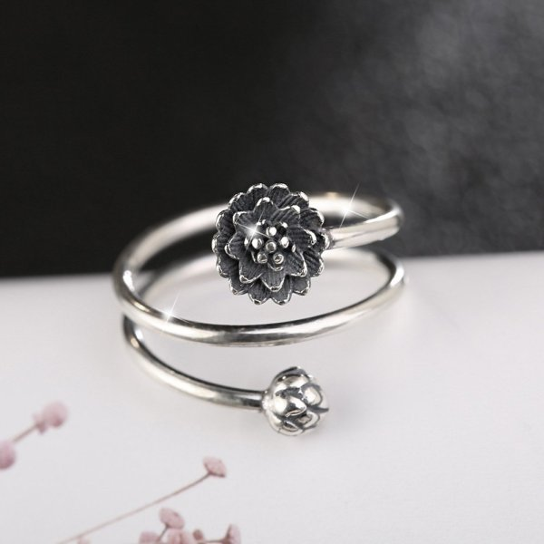 Women's Multilayer Style Lotus Ring 1