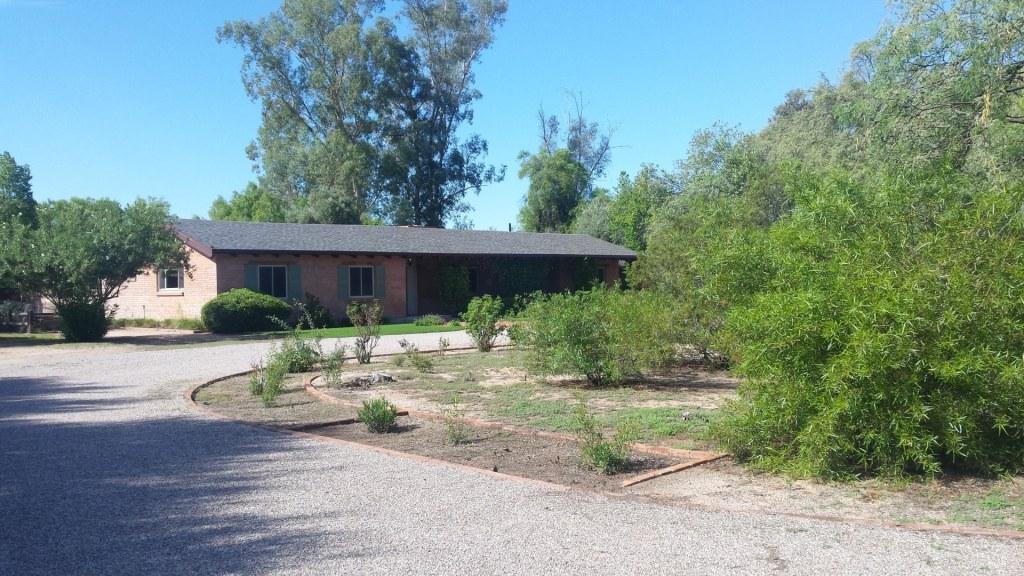 Home in Aldea Linda historic district of Tucson