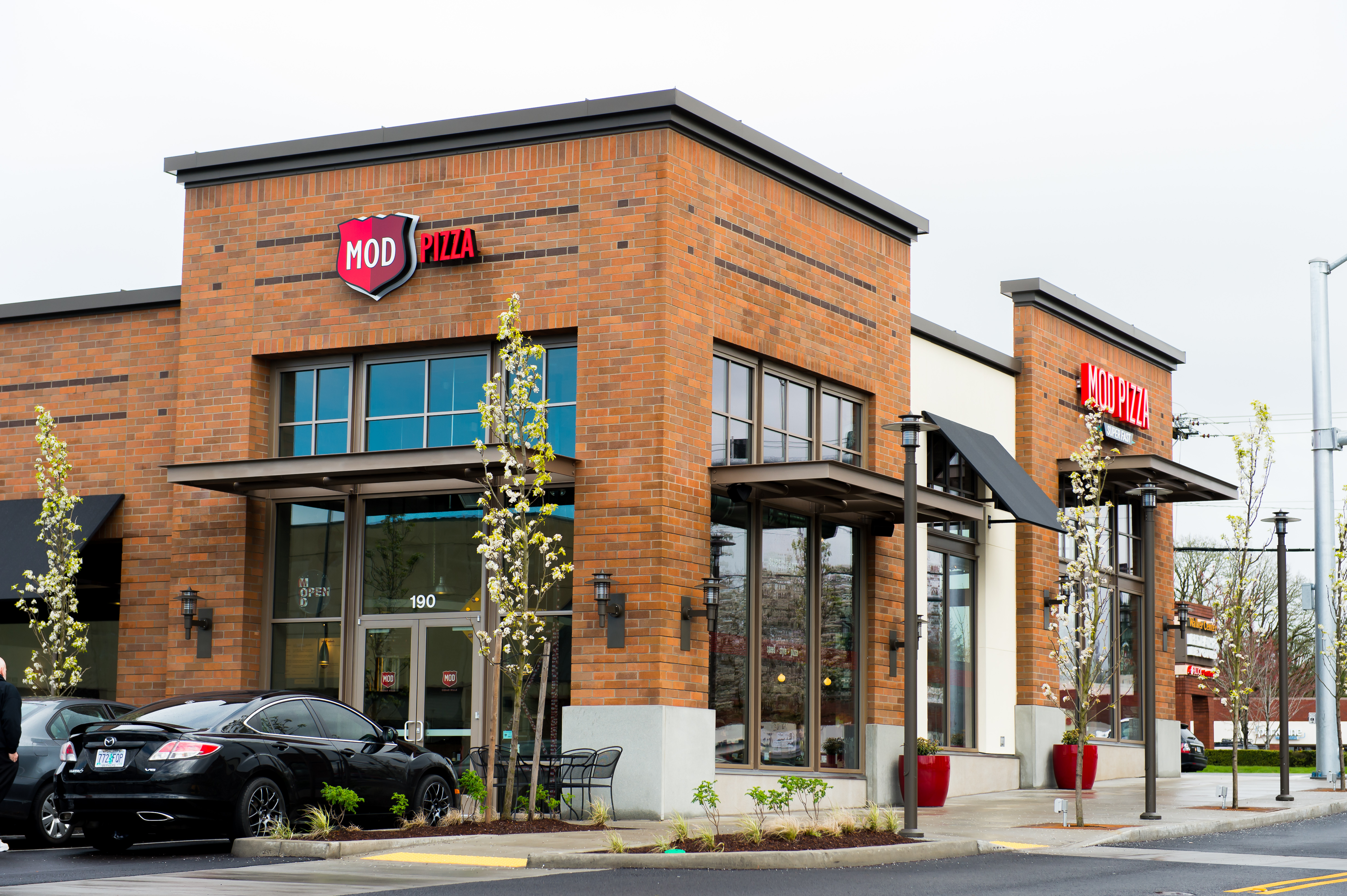 Transwestern Completes 23 Mod Pizza Leases Realty News Report