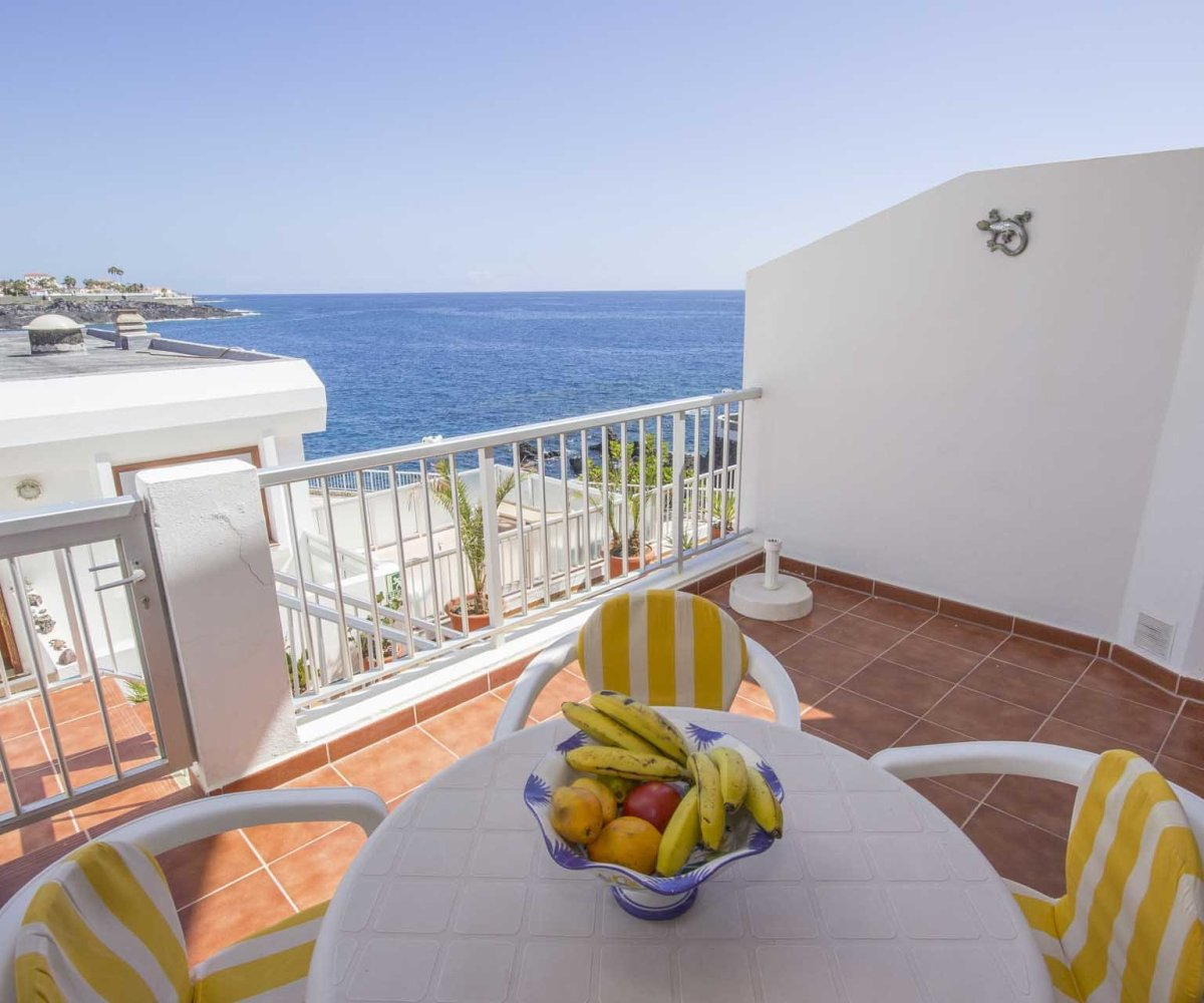 Apartment Listings: Oceanfront Duplex Apartment With Pool!!