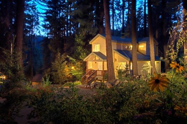 Real Weddings Mini-Moon: Tenaya Lodge