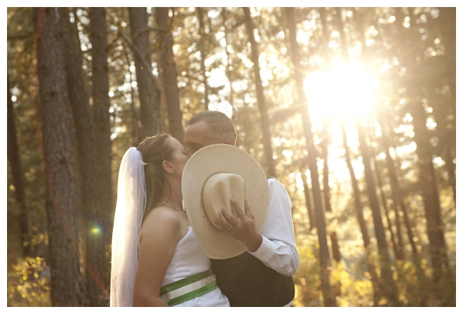 2_Girls_20_Cameras_Real_Weddings_Sacramento_Wedding_Photographer-_0006