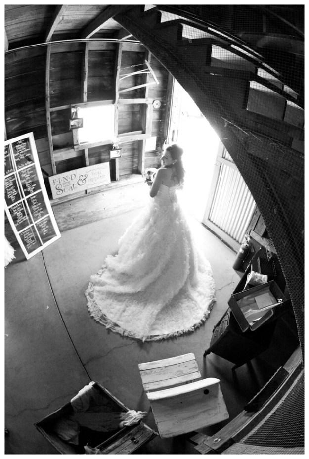 2_Girls_20_Cameras_Real_Weddings_Sacramento_Wedding_Photographer-_0015