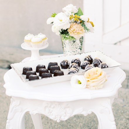 Rising Simplicity Rosevlle Custom Cookies Salted Caramel Chocolates Desserts-Real Weddings Sacramento Maazine