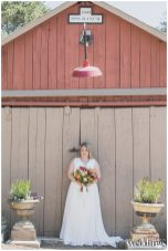 Rochelle-Wilhelms-Photography-Sacramento-Real-Weddings-Magazine-Glamour-on-the-Ranch-Quinn_0044
