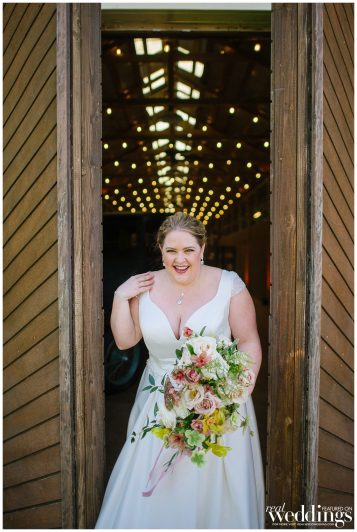 Bethany-Petrick-Photography-Sacramento-Real-Weddings-Magazine-Something-Old-Something-New-Layout_0012