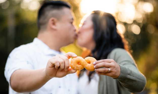 Sacramento Wedding Photographer | Lake Tahoe Wedding Photography | Northern California Wedding Photographer | Donuts at Weddings