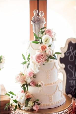 Sacramento Placerville Winery Wedding | Factory 404 | Frank Vilt's Cakes