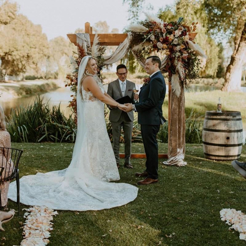 Tan Weddings Events-Musicians Officiants-Expert Advice-Real Weddings Magazine