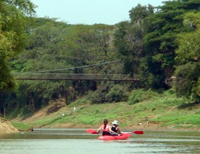 kayak-girls2