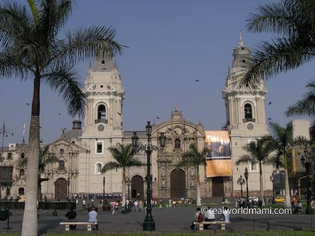 Peru with kids: Lima Peru Government Palace
