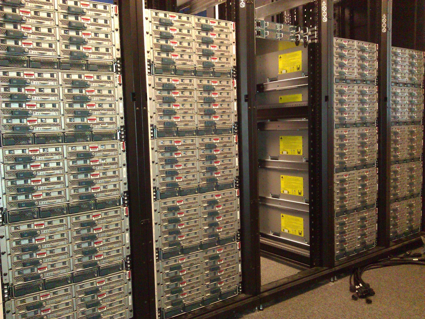 20 Chassis UCS Right