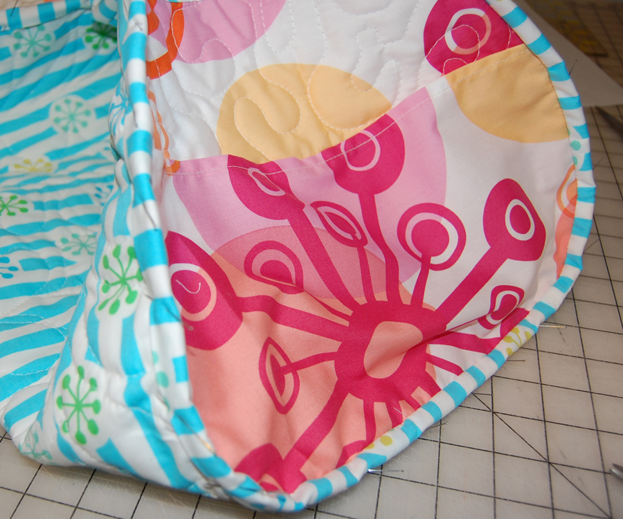 Grab Your Free Beach Bag Pattern At Reannalily Designs
