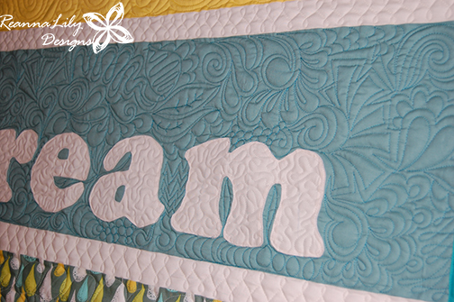 Dream Quilt by Jen Eskridge   ReannaLily Designs   ReannaLily Quilts   Graffiti Quilting Style   Free Motion Longarm Quilting