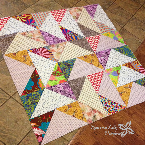 Giant Flying Geese Using Layer Cakes | Quilting Pattern | Jen Eskridge | ReannaLily Designs | ReannaLily Quilts | Longarm Quilting
