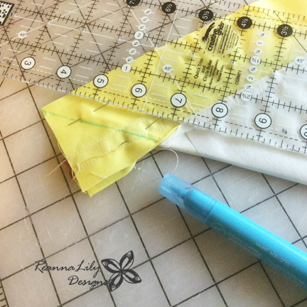 Ticker Tape Giraffe Tutorial | Jen Eskridge | ReannaLily Designs | Fabric Scrap Project | Mitered Corner