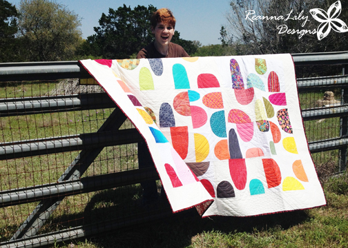 Windy Quilt Photography by Jen Eskridge | ReannaLily Designs