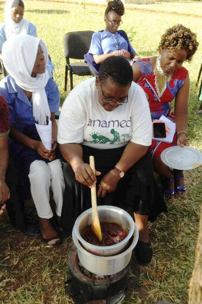 Rosalia teaching on making chilli ointment
